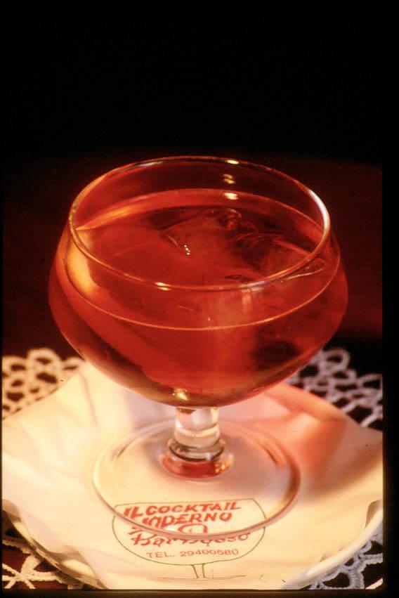 Cocktail Negroni Sbagliato del Bar Basso di Milano