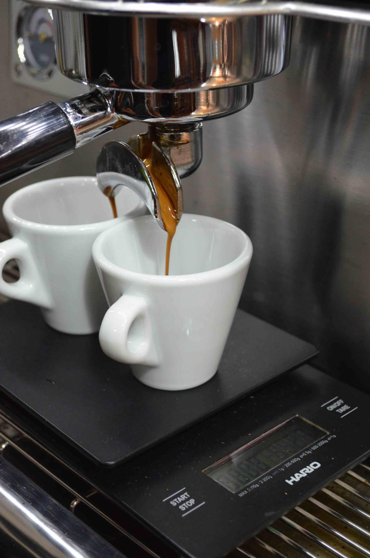 Cosa Organizzare In Un Bar come aprire una caffetteria moderna