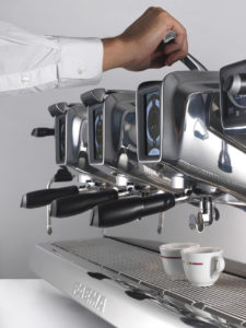 Macchina per caffè espresso Faema E 71 a leva e display