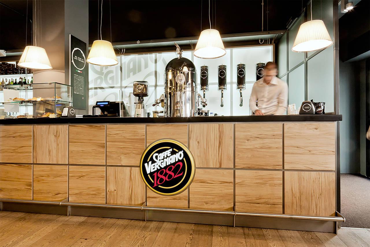 Vergnano cos la caffetteria italiana fa scuola bargiornale for Immagini caffetteria