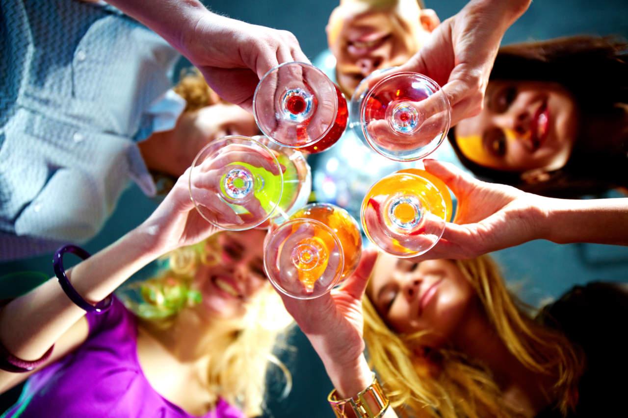 Cosa Organizzare In Un Bar feste private al bar, come organizzarle per attrarre la