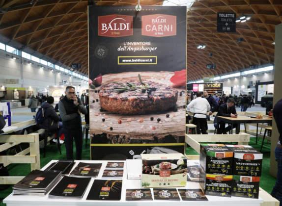 Il corner dello sponsor Baldi Carni con la ricca gamma di hambuger.