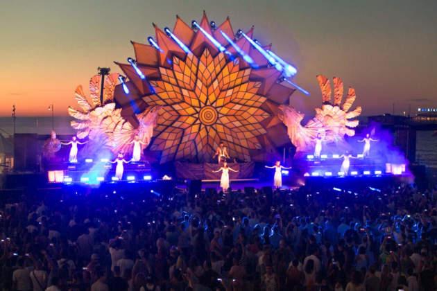 Corona Sunsets Festival, tappa italiana a Rimini nel 2016.