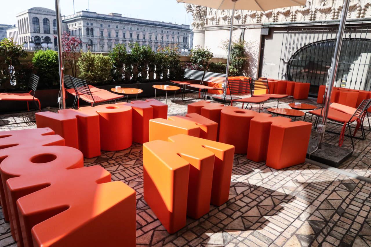 Arredo Urbano Bar Esterno.Tavole E Sedie Conviviali E Funzionali Per Il Proprio Dehors