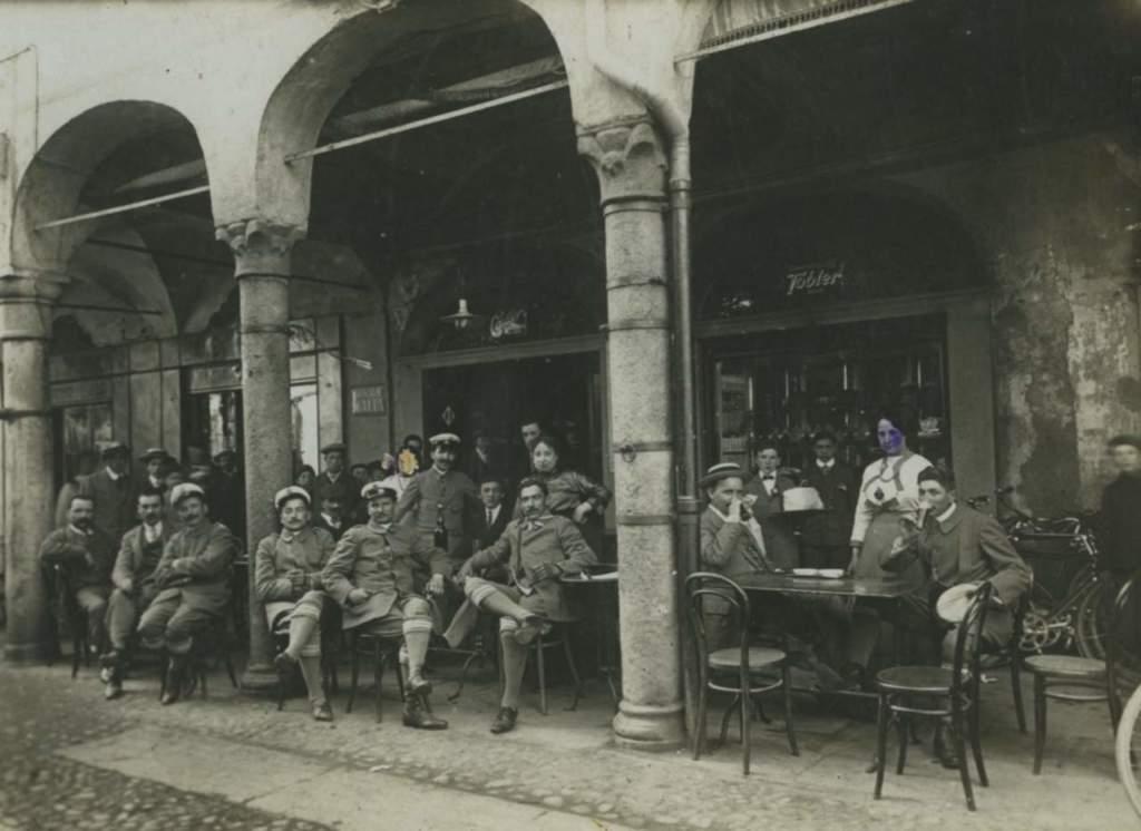 Pasticceria Besuschio foto d'epoca esterno