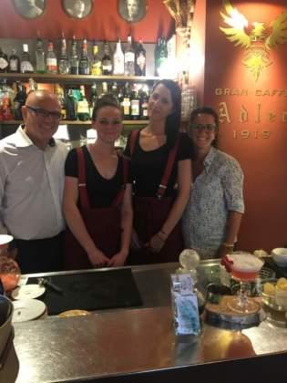 Giulia Costa presenta il suo cocktail al Gran Caffè Adler di Asiago