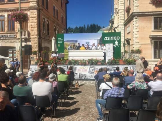 Il palco della Kranebet Cocktail Competition in piazza 2° Risorgimento
