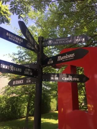 Segnaletica stradale per le specialità internazionali di Brewery Duvel-Moortgat.