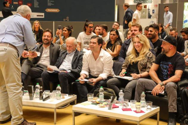 La giuria composta da Domenico Maura, Danilo Bellucci, Màrcio Silva, Amber Bruce e Lee Watson