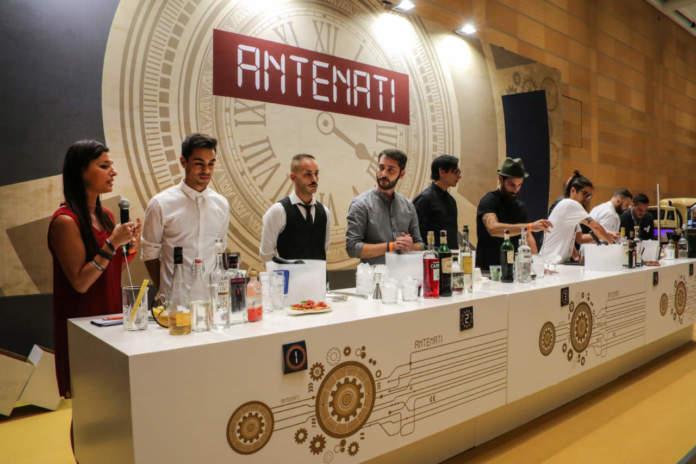Una batteria di bartender in esibizione a Baritalia Lab 2018