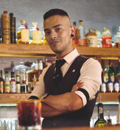 Il bartender Leandro Cedeno