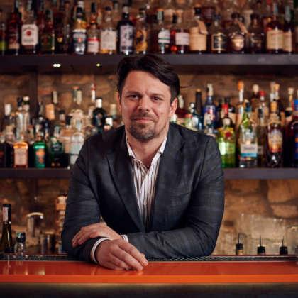Il bartender Luigi Barberis