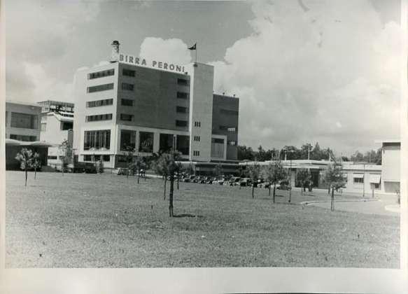 Stabilimento Birra Peroni di Napoli (1955)
