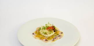 Carpaccio di seppie con passion fruit