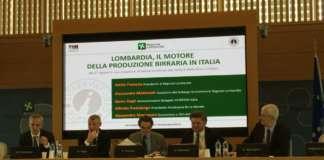 Presentazione del Rapporto di Osservatorio Birra a Palazzo Lombardia. Da sinistra, Alfredo Pratolongo, Søren Hagh, Attilio Fontana, Alessandro Mattinzoli, Alessandro Marangoni.