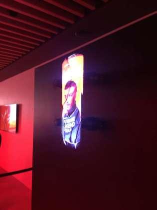 Lattina Coca-Cola con le immagini dei 4 coach in versione ologramma 3D Hypervsn distribuita da Display Expert