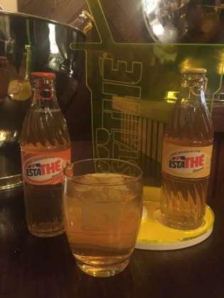 Estathé gusto Limone e Pesca in bottiglia di vetro da 25 cl