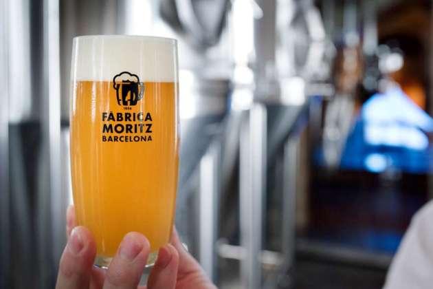 Bicchiere di cervesa Moritz Fresco Lager