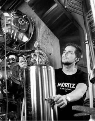 Preparazione della birra cruda Moritz Fresco