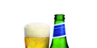 Bottiglia e bicchiere Nastro Azzurro