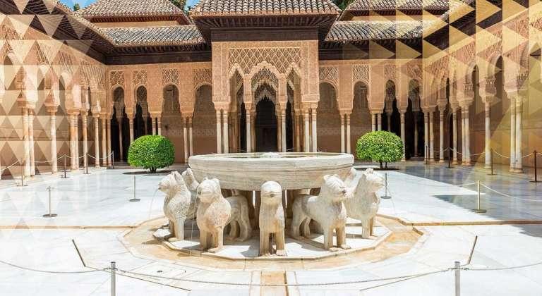 La Fonte dei Leoni dell'Alhambra a Granada (Spagna)