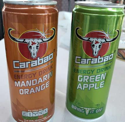 Carabao Energy Drink, gusti Mandarin Orange e Green Apple