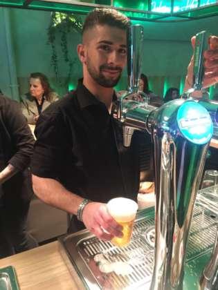 Birra Heineken spillata al banco della Fabbrica di Ghiaccio e Birra di Lambrate-Milano