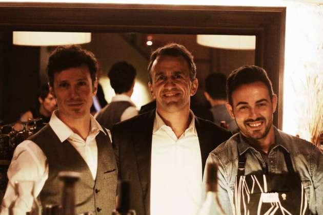 l bar manager cellar bar Oblio, Mattia Santandrea, con Gabriele Rondani (Rinaldi 1957) e il mixologist Mario Farulla.