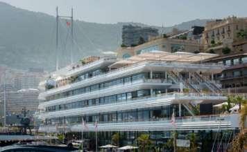 La prestigiosa e moderna sede dello Yacht Club de Monaco, sede del concorso Cocktail Mixologist Competition.