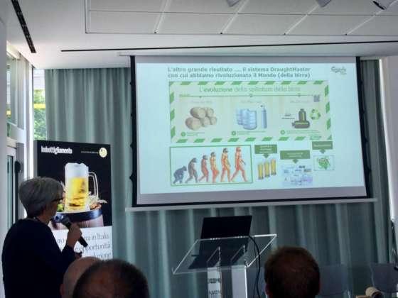 Antonella Reggiori presenta i vantaggi del sistema di spillatura DraughtMaster