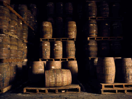 Botti di rovere bianco ex Bourbon nelle bodegas dove matura Ron Flor de Caña