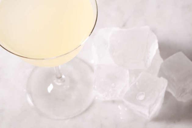 Cocktail The Perfect Daiquiri con cubetti di ghiaccio standard Hoshizaki