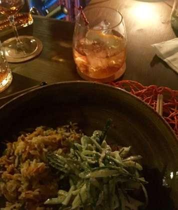 Foodpairing per cocktail Flor 12 yo - Old Fashioned con riso saltato e noodles con verdure