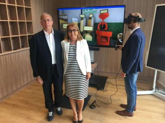 """Masssimo Furlan, direttore di Università della Birra con Tiziana Ena, Pbu & marketing manager Acer Italy presentano il percorso virtuale """"Dall'orzo al bicchiere"""""""