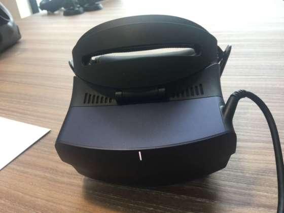 Vista fontale del visore Acer Ojo 500