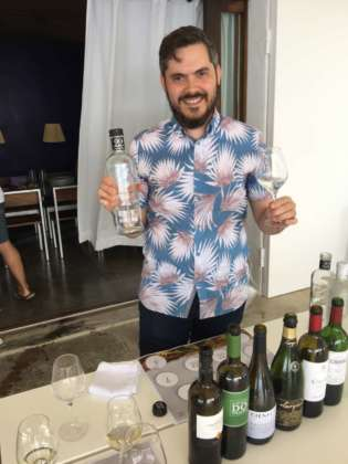 Arnau Marco Casasampere, water sommelier e top gastronomy manager Vantguard con 22 Artesian Water