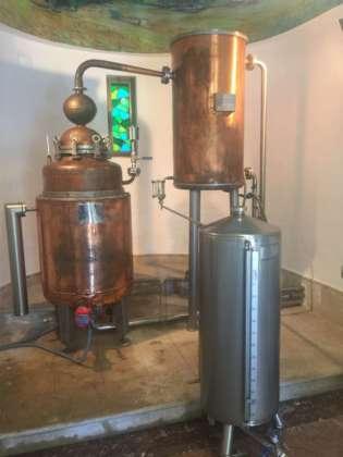 Il distillatore fiorentino da 250 litri utilizzato per le botaniche di Gin Mare