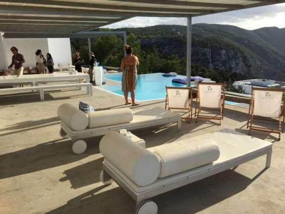 Uno scorcio della grande terrazza di Vila Mare, Ibiza
