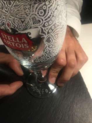 Incisione alla base del calice decorato limited edition Stella Artois