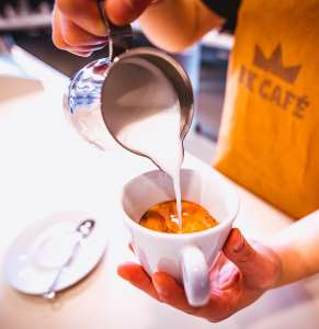 BK Café, cappuccino