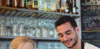 Auricolari e tablet aiutano il servizio al bar