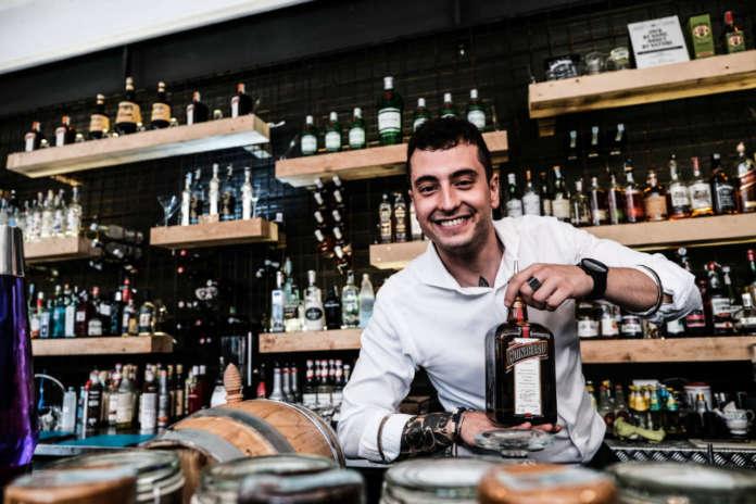 Luca Moroni, brand ambassador Molinari, presenta a Baritalia Talks Cointrea - The Art of the Mix