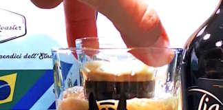 Lo shottino di caffè si tuffa nella birra