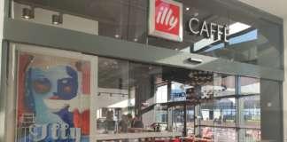 L'ingresso di illy Caffè Roma Maximo