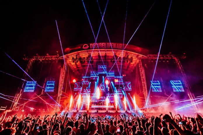 Il festival Decibel Open Air alla Visarno Arena di Firenze ha recentemente confermato lo svolgimento dell'edizione 2021, in calendario sabato 11 e domenica 12 settembre