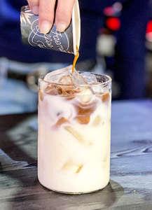 Preparazione con bevanda al cocco