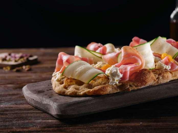 Pinsa con pancetta e zucchine Pinsalab